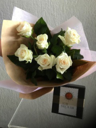 Six rose bouquet with chocolates
