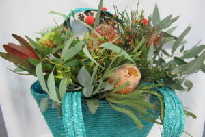 Native bouquet in a beach bag